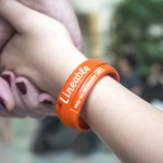 Use Wearable Tracking Beacon for Children and Keep your Kids in Safe Mode