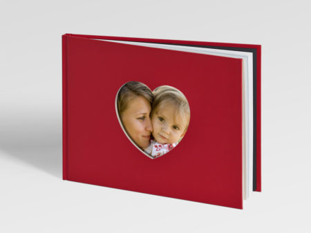 Get Yourself Hooked Up With Beautiful Memories Through Baby Photo Book