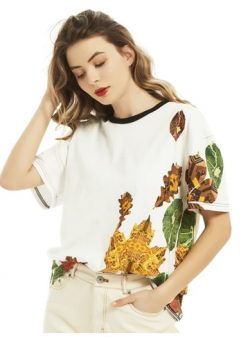 Fashionable and Stylish T-shirts with Leaves Design