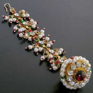 Enhance your Grace with Unique Maang Tikka Jewellery